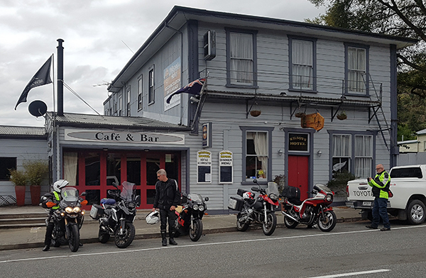 The lineup in Reefton